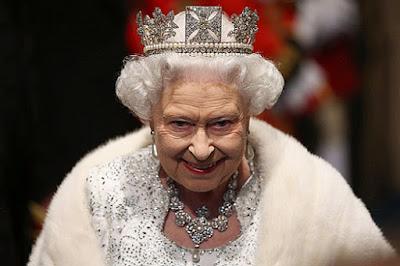 Έρχεται παγκόσμιος πόλεμος όπως έχει προβλεθεί στις Γραφές, δια στόματος βασίλισσας Ελισσάβετ;
