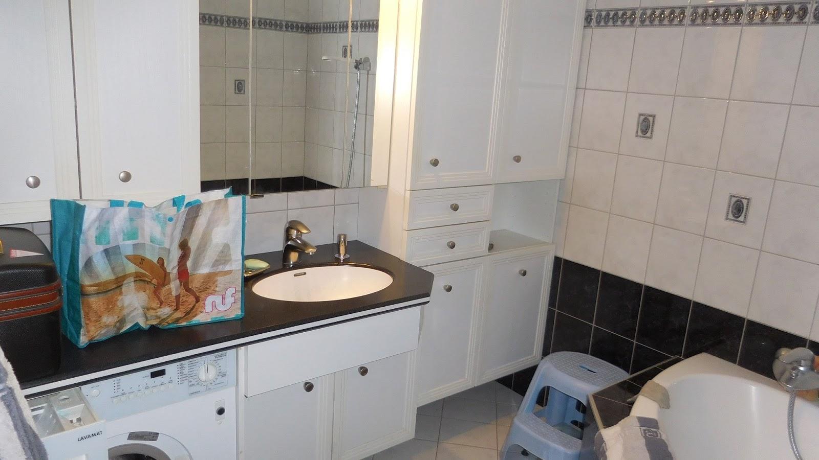 Schroli´s Baublog: Umzug Start 23. Dezember 14.00 Uhr: Badezimmer
