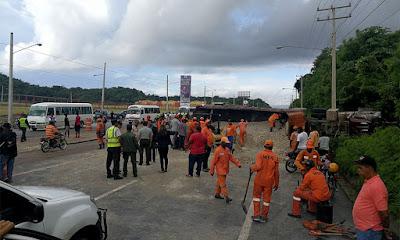 Patana ocasiona siete heridos en autopista 6 de noviembre
