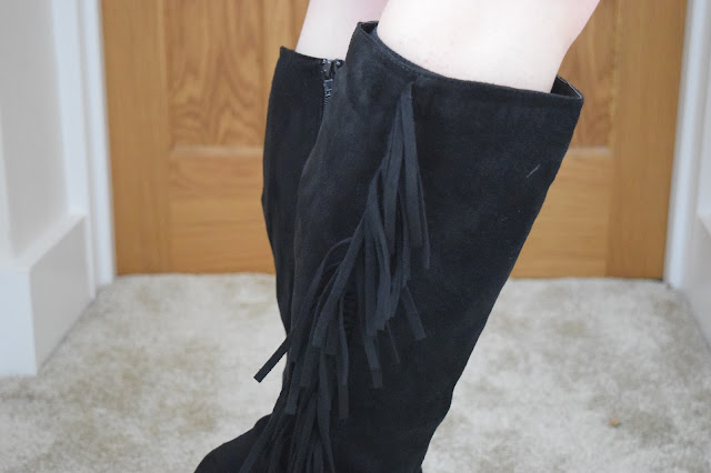 STYLE | Online Avenue Tassel Boots - Close Up Finge Details