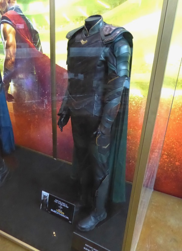 Tom Hiddleston's Loki costume from Thor: Ragnarok on ...
