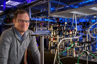 La levitació produeix una millor mesura de vida de neutrons