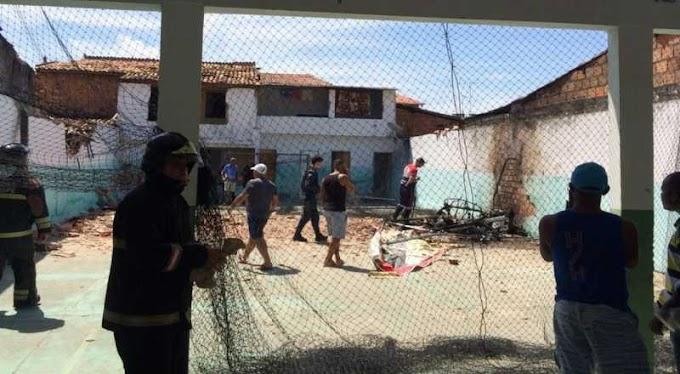 Aeronave cai em escola e piloto morre carbonizado, em Aracaju