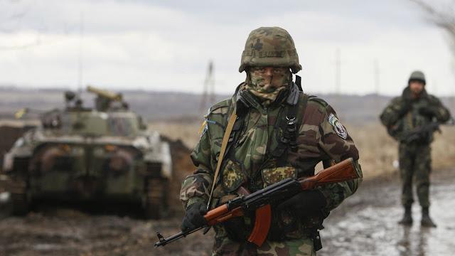 Σε κατάσταση πολέμου κηρύσσει την Ουκρανία ο Ποροσένκο!