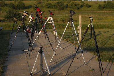 tracking mounts on tripods on the CAO Observing Pad