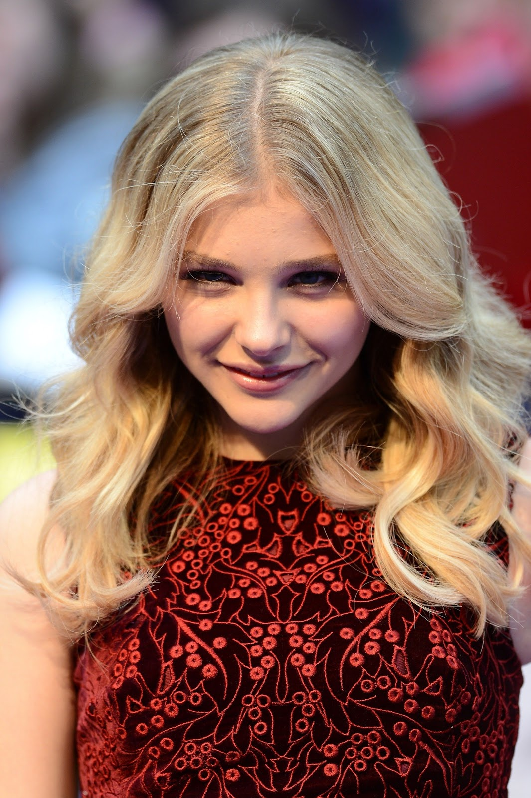 Chloe Grace Moretz pic... Abbie Cornish