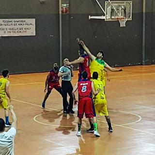 El CAB Linares queda fuera de los play off, mientras que el Jaén CB podría sellar su pase venciendo a La Zubia