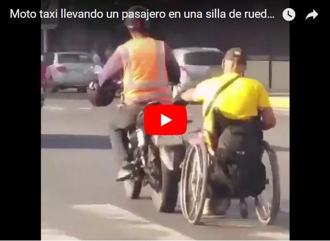 Moto-Taxi arrastra a un inválido en silla de ruedas a 50 Km/h