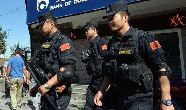 الشرطة الصينية تلقى القبض على بعض موزعين شركة آبل لبيع البيانات السرية لمستخدمى الأيفون