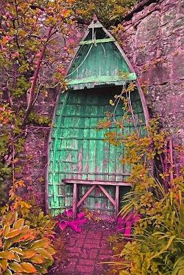 lancha vieja se vería muy bonita en tu jardín