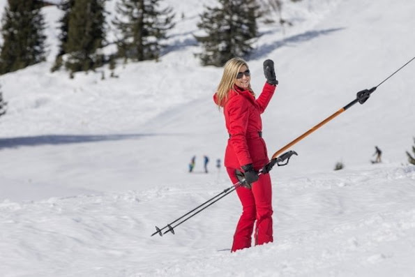 King Willem-Alexander, Queen Maxima, Princess Amalia, Princess Alexia, Princess Ariane,Princess Beatrix, Prince Constantijn, Princess Laurentien, Countess Eloise, Count Claus-Casimir and Countess Leonore during their wintersport holidays in Lech am Ahlberg