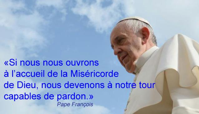 AVE MARIA pour notre Saint-Père le Pape François - Page 5 648x415_le_pape_francois_arrive_place_st_pierre_a_rome_pour_son_audience_hebdomadaire_le_14_octobre_2015%2Bcopie