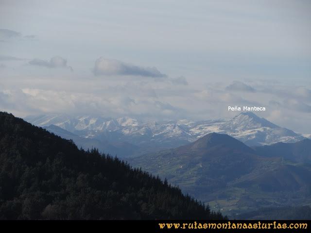 Ruta Sierra Bufarán, picos Degollada o Grande y Cotera: Vista de Peña Manteca
