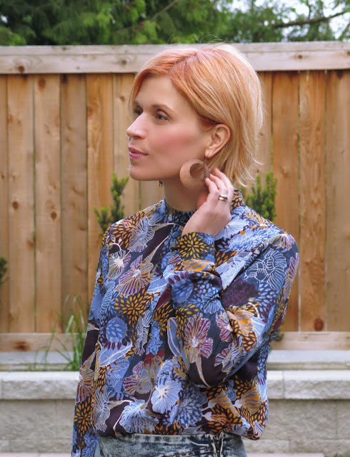 floral blouse and apricot-coloured hair!