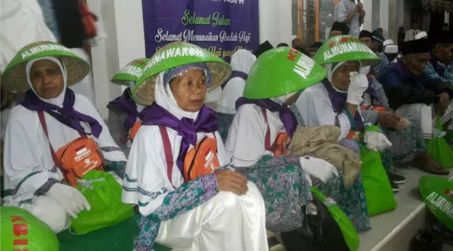 Caping Petani Jamaah Haji Cilacap Jadi Rebutan Orang Arab