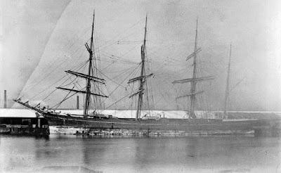 Imagem do Zebrina, navio a vela com três mastros encontrado sem a tripulação