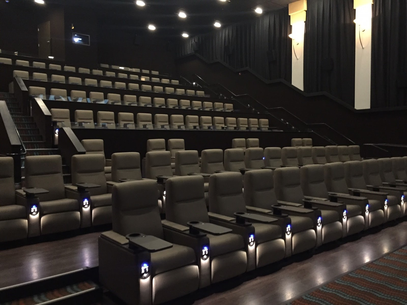 tour new ovation cinema grill in snellville georgia the