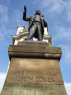 Joseph Cowen Statue Newcastle,  Cross House Newcastle, Newcastle Monuments, Photos Historic Newcastle,Newcastle Photos,Westgate Rd Statue,Westgate Rd Offices, Northumbrian Images, Northumbrian Images Blogspot,North East, England,Photos,Photographs