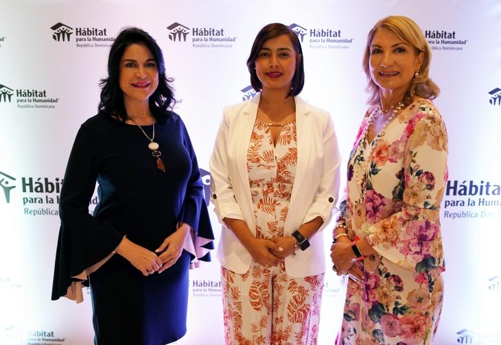 """Hábitat para la Humanidad República Dominicana inauguró exposición fotográfica """"Mujeres construyendo esperanza paso a paso"""""""