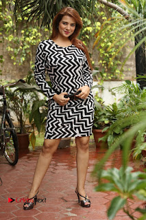 Actress Saloni Latest Pos in Short Dress  0339.JPG