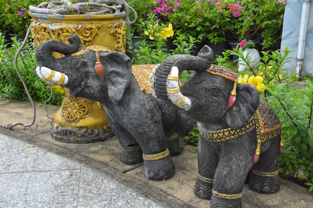 Heroines Monument Phuket elephants