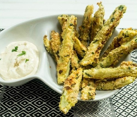 EASY Vegan Baked Parmesan Zucchini Fries #bakes #parmesan #zucchini #fries #vegetarian #vegan #easyappetizer #whole30 #partyfood