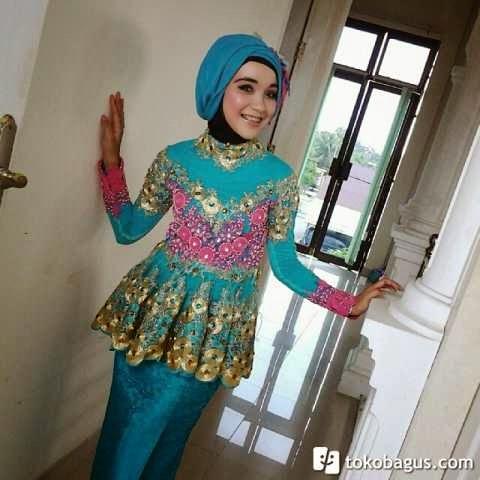 Model Kebaya Wisuda Berhijab Model Baju Muslim