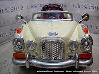 Mobil Mainan Aki DoesToys DT8128 Classic - White