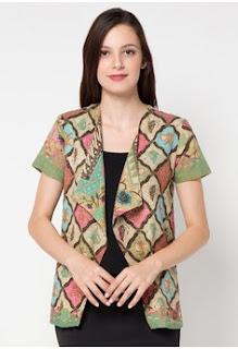 Bolero Batik Elegan untuk Kerja di Kantor