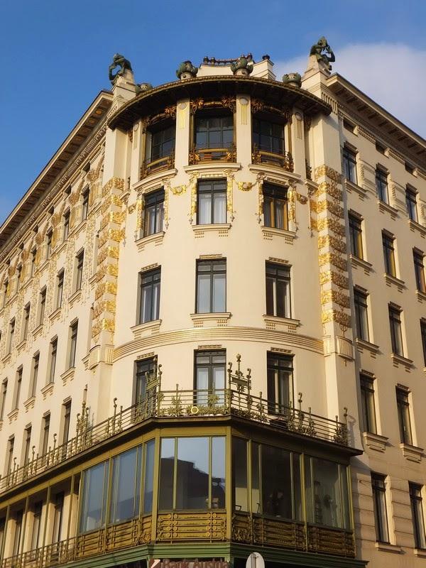 Vienne Wien art nouveau sécession otto wagner majoliques médaillons linke wienzeile