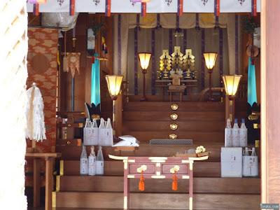 神津神社拝殿内