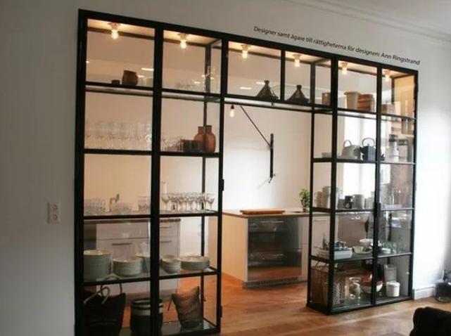 model lemari hias kaca minimalis terbaru