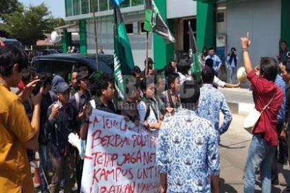 Mahasiswa Untirta Serang Tolak Kedatangan Maruf Amin di  Wilayah Kampus