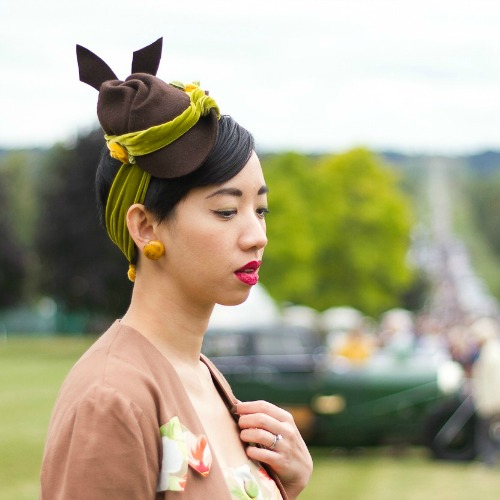 https://www.etsy.com/au/listing/477462663/vintage-style-1940s-felt-tilt-hat-with