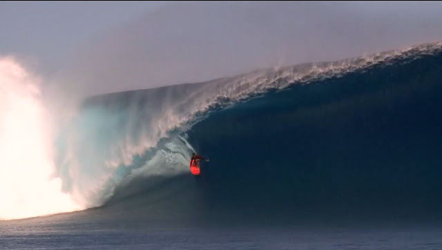 Cloudbreak, Tavarua, Fiji. Bigest swell in 20 years. Dean Bowen, Scardy, Nick Vasicek and Mikey Brennan