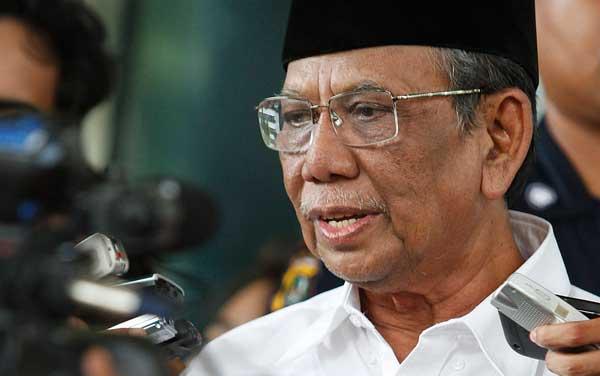 KH Hasyim Muzadi: Kelompok Radikal Benturkan Negara dengan Agama
