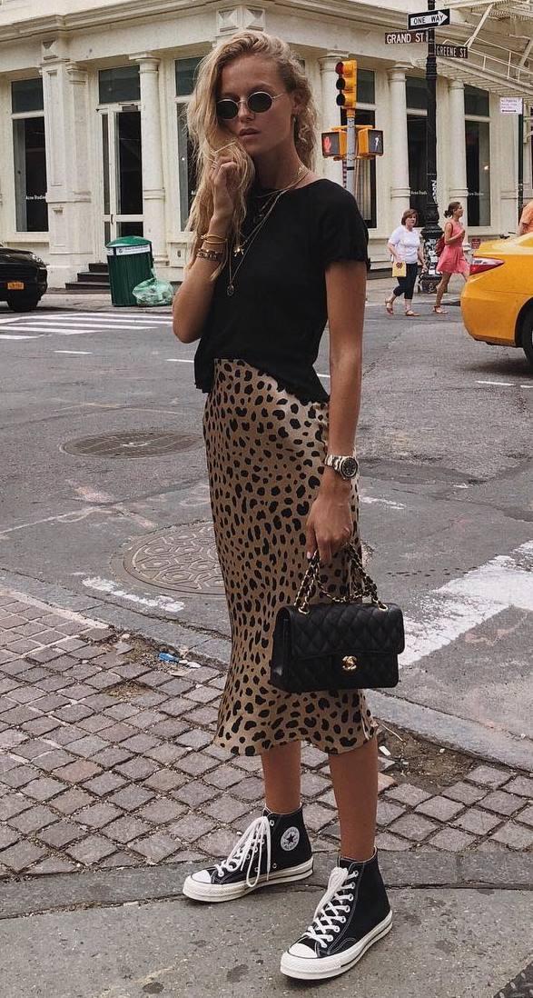 casual style addiction / bag + high converse + black tee + leopard midi skirt