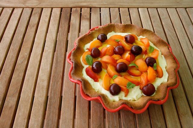 Tarta de mascarpone, limon y frutas