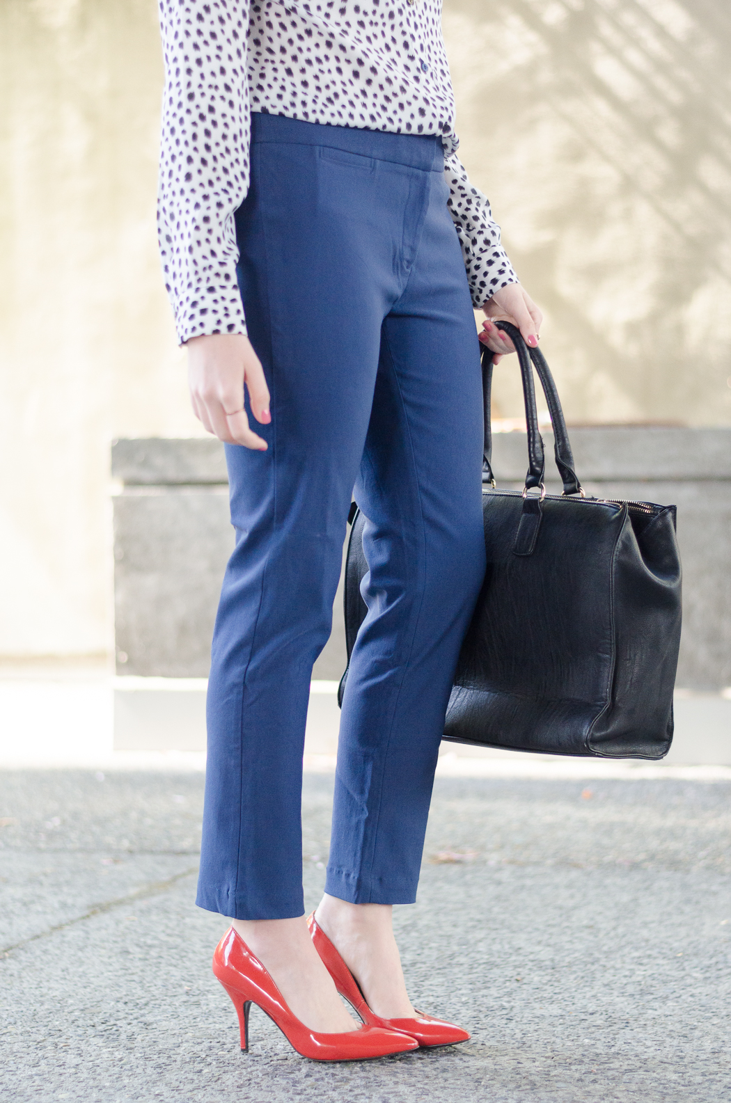 A Casual Summer Capsule Wardrobe: Stylish Business Casual Outfit Idea