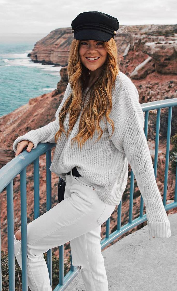 cozy fall outfit / black hat + sweater + white ripped jeans