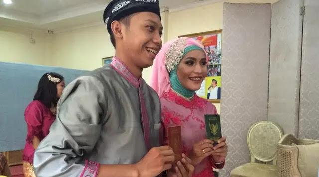 Demi Punya Rumah Pasangan Ini Menikah Tanpa Resepsi Mewah