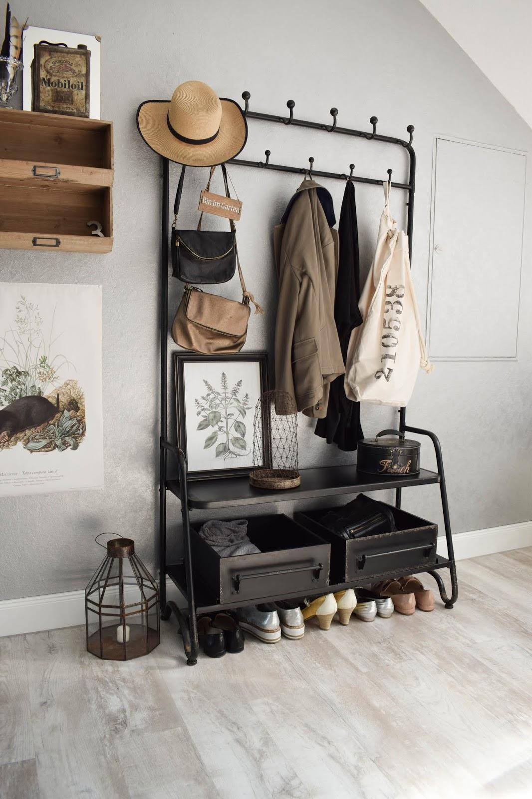 Garderobe Diele Flur Eingangsbereich Deko Dekoidee Interior Einrichtung WENKO Wäschesammler Wäschesack Aufbewahrung Werbung 5