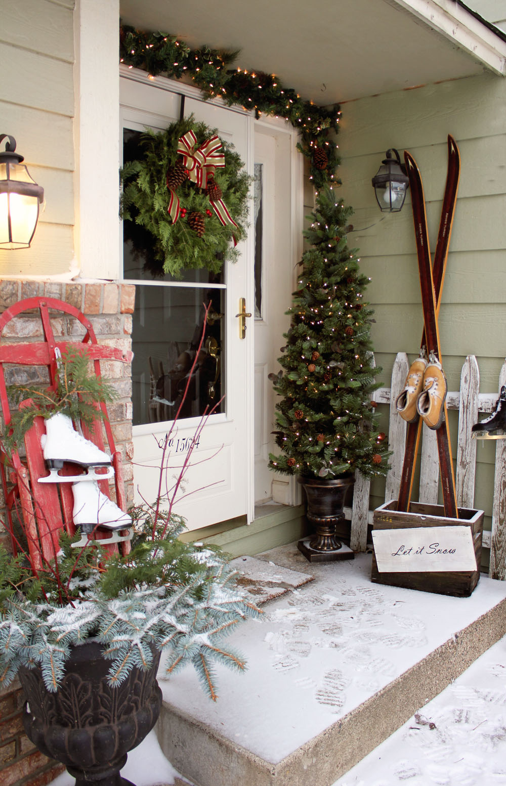 Front Porch Decorating... - Itsy Bits and Pieces