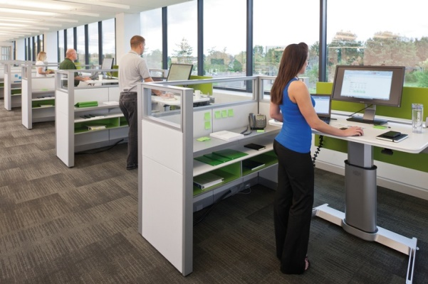 how long should you stand at a standing desk