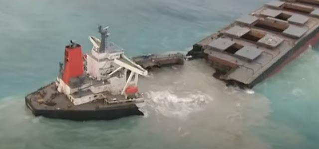 Μαυρίκιος: Φορτηγό πλοίο κόπηκε στη μέση - 1.000 τόνοι καυσίμου χύθηκαν στη θάλασσα (βίντεο)