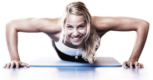 fitness femme exercice pompe push-up