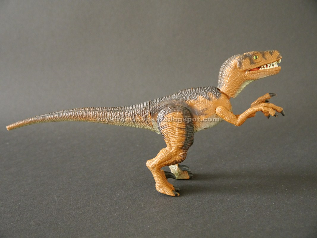 Jurassic Park 3 Velociraptor Toy Toys from the Past: #6...