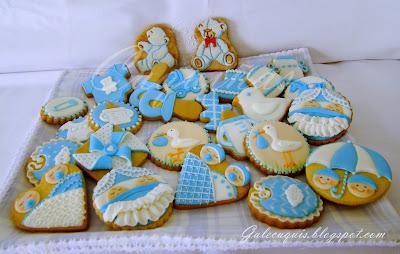 fotos de galletas decoradas para bebés en azul y blanco