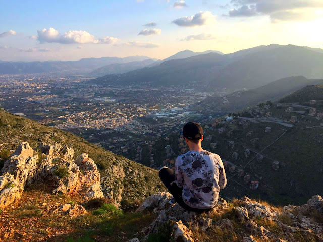http://www.syriouslyinfashion.com/2017/03/overlooking-city-of-palermo.html