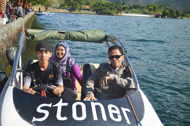 mencoba speedboat di Telaga Sarangan Magetan, Jawa Timur